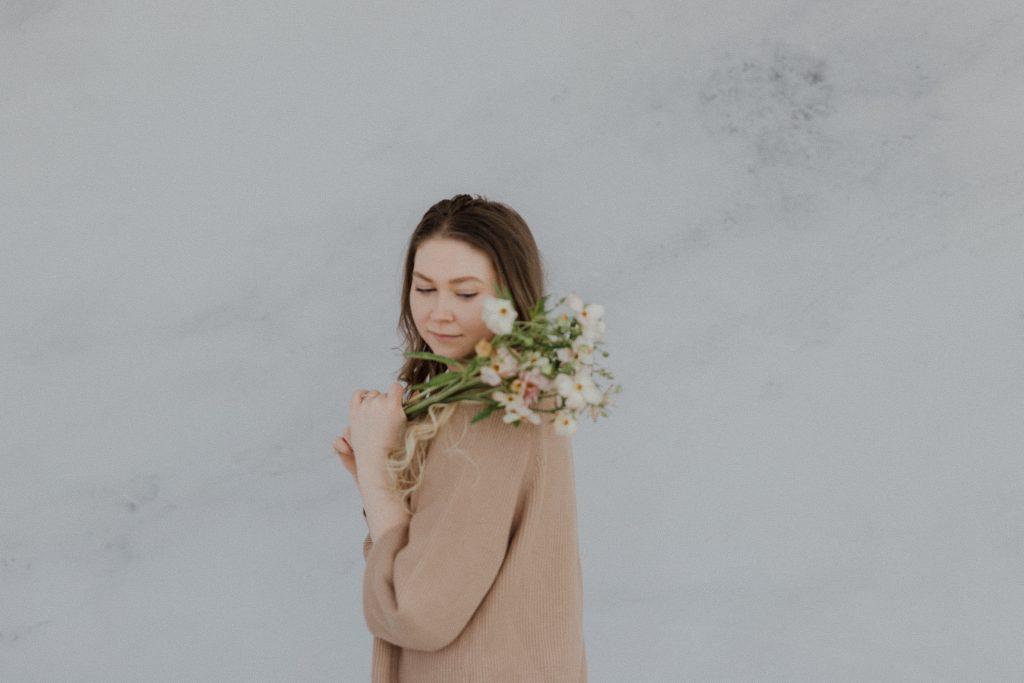 AM Floral Portraits - Sonia V Photo - Documentary Style Candid Photographer - Ottawa Ontario Kemptville Destination Photographer - Authentic Colour Photography - Wedding Photographer - Branding Photographer - Small Business Headshots - Engagement Photos - Family Portraits - Lifestyle