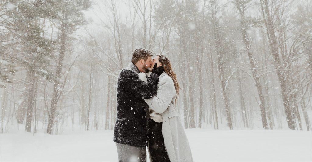 Gatineau Park winter wonderland engagement session in the snow at McKenzie King Estate Ruins, Gatineau Park, Ottawa